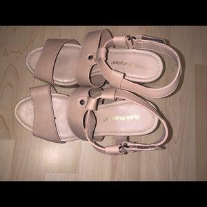 NEW NEVER WORN Hushpuppies heels